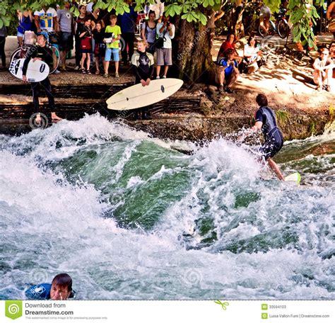 Englischer Garten Surfen by Surfing At Englischer Garden In Munich Editorial Stock Photo Image 33594103