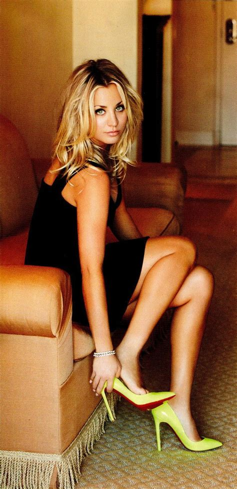 kaley cuoco as penny in quot the big bang theory quot hair kaley cuoco my favs pinterest sexy sexy legs and
