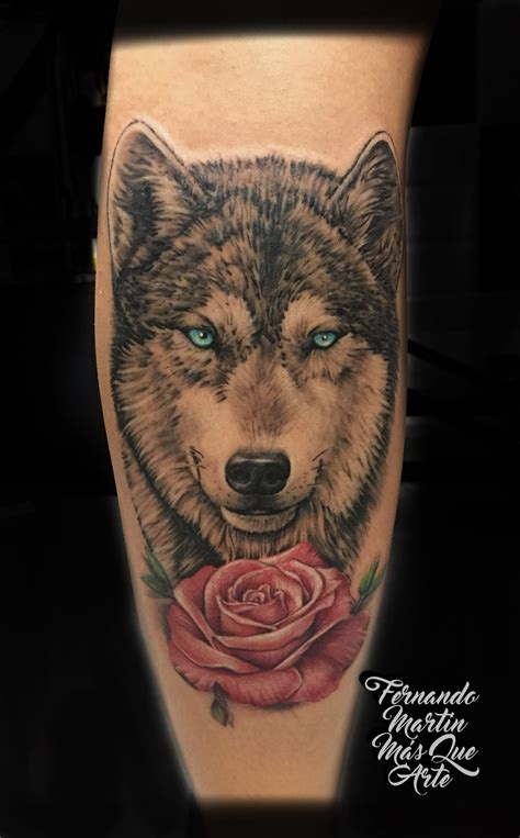 wolf with rose tattoo fernando martin que arte valladolid tatuaje