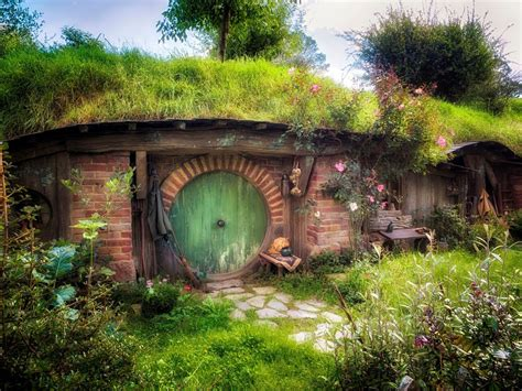 hobbiton wallpaper google search hobbiton pinterest