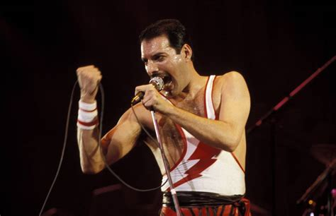 freddie mercury biography part 2 the music lives on 5 famous final concerts biography com