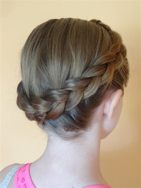 how to braid short hair 20 fast and easy cute hairstyles