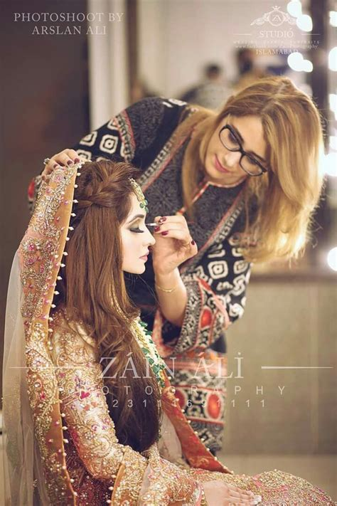 262 best Bridal hair for Indian/Pakistani brides images on Pinterest   Bridal hairstyles, Bridal