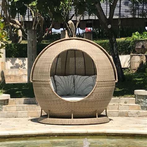 sandbanks luxury outdoor rattan apple day bed  cm wcm