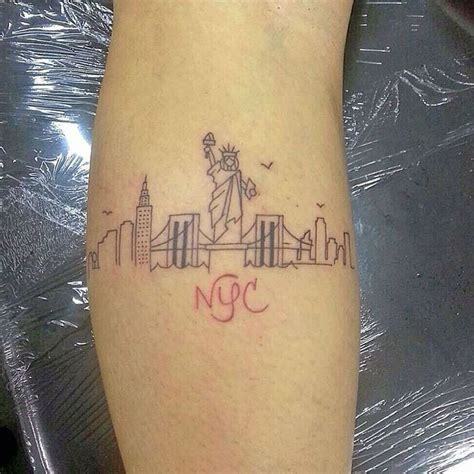 ny tattoo 25 best ideas about skyline on nyc