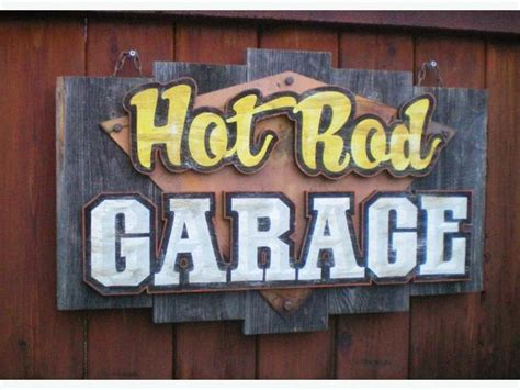 Garage Signs And Decor by Retro And Vintage Style Garage Decor Outside Northern