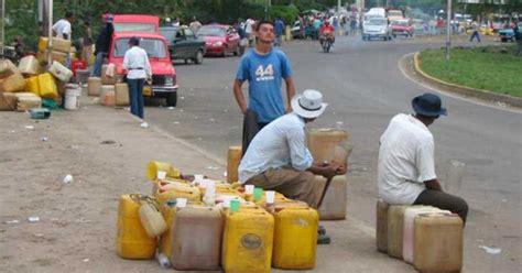 Bando Galon gasolina la turbia ruta contrabando en la guajira