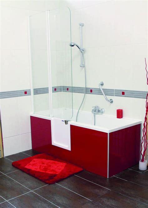 badewannen mit dusche 285 duschbadewanne mit t 252 r olstuga