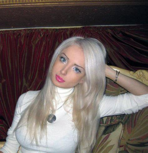 valeria lukyanova and 25 november 2012 borderline chic