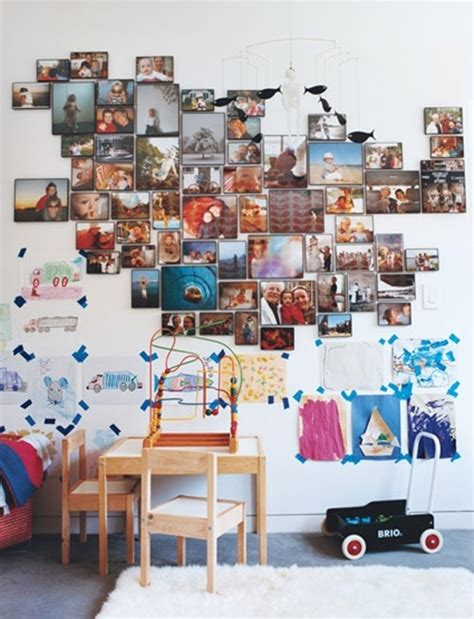 displaying family pictures the of displaying your family pictures on the wall