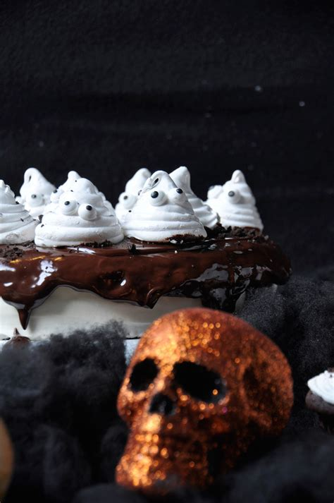 Ina Garten Cream Cheese Frosting by Chocolate Cake With Homemade Marshmallow Ghosts
