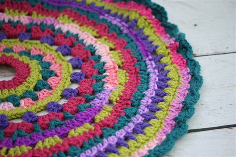 how to crochet a christmas tree skirt hobbycraft blog