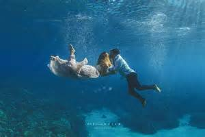 this took their engagement pics underwater photos