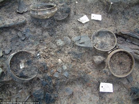 Must Farmers by Britain S Oldest Wheel At Pompeii Of The Fens Reveals
