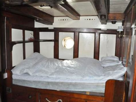 6 bedroom houseboat 6 bedroom moored houseboat in england essex colchester