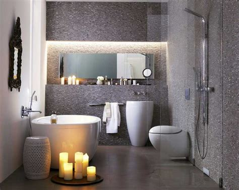 kleine moderne badezimmerideen badezimmer kleine r 228 ume in grau mosaik wandfliesen dekor