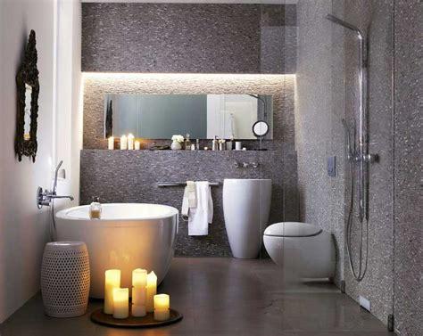 dekor wandfliesen bad badezimmer kleine r 228 ume in grau mosaik wandfliesen dekor