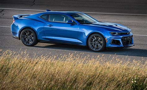 2017 Camaro Zl1 Review by 2017 Chevrolet Camaro Zl1 Look Review Motor Trend