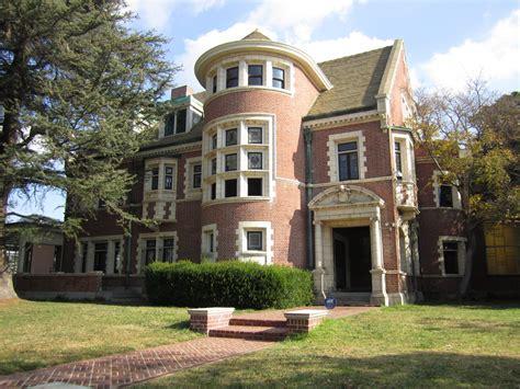 Airbnb Mansion Los Angeles by American Horror Story La Maison Hant 233 E Disponible 224 La