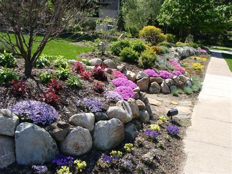 Garden Rock Wall Maple Leaf Landscaping Rock Wall Garden Garden Design