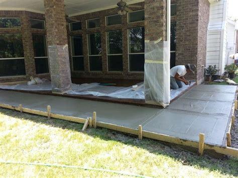 concrete patio extension by mendez concrete dfw 214 576