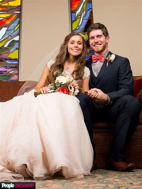 ben seewald and jessa duggar wedding jessa duggar and ben seewald are married see her wedding