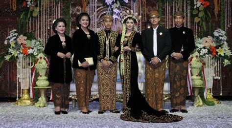 Foto Pengantin Jawa Beludru Hitam by Inspirasi Pernikahan Adat Jawa