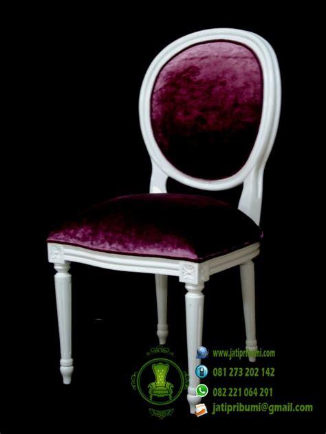 Kursi Keramas Ungu Putih kursi warna putih kain jok ungu jati pribumi