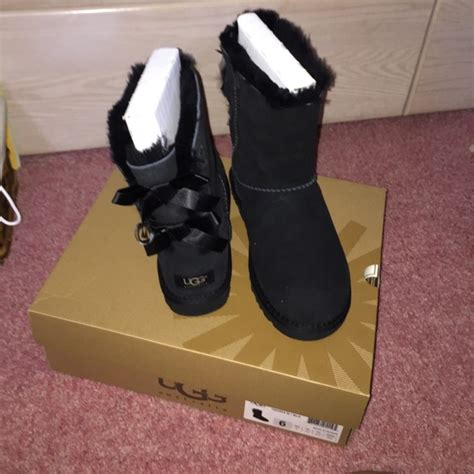 ugg boots bows on back 33 ugg boots black ugg boots with bows on the back