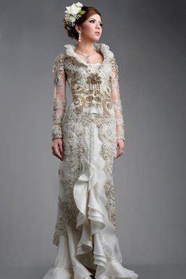 Elegant Chic Mod December 2010 - elegant style as a wedding dress with modern kebaya2