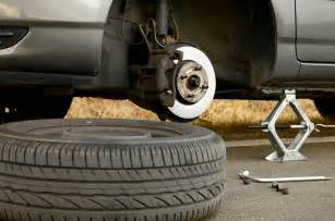 Change Car Tires Yourself Emergency Auto Repairs That Every Car Owner Should