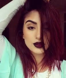 maroon colored hair 25 best ideas about burgundy hair on