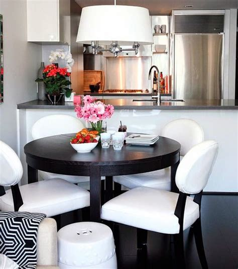 comedores decorados en blanco  negro interior design