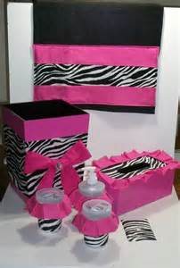 white pink bathroom decor