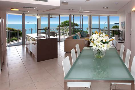 cairns 3 bedroom apartments cairns accommodation self contained esplanade luxury