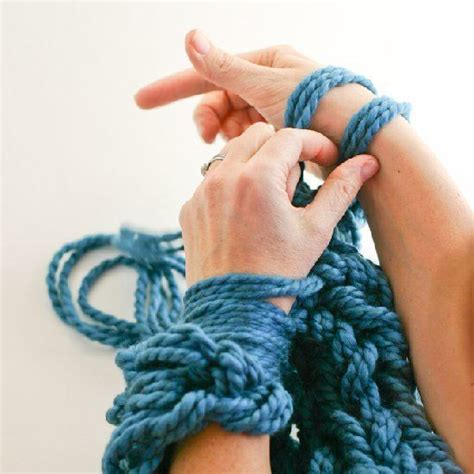arm knitting scarf step by step 33 best arm knitting images on finger knitting