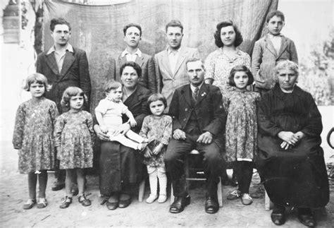 come si vestivano i figli dei fiori vento largo eugenio scalfari quel padre fascista non