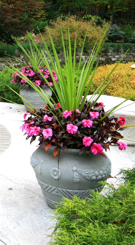 spring landscaping tips 5 amazingly easy steps to develop your spring landscape