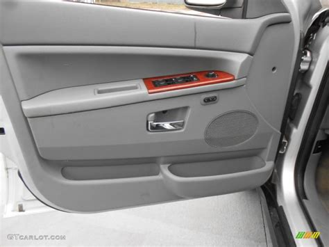 Jeep Grand Door Panel 2005 Jeep Grand Limited Door Panel Photos