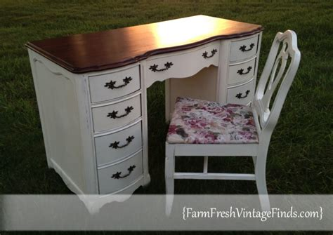 French Provincial Desk In Old White Farm Fresh Vintage Finds How To Paint A Desk White