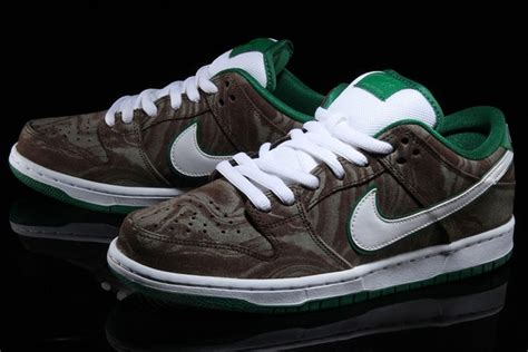 Harga Nike Sb Dunk Low kopi starbucks inspirasi kasut baharu nike astro awani