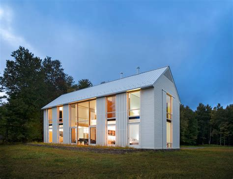 Modernes Bauernhaus by Pennsylvania Farmhouse By Cutler Architects
