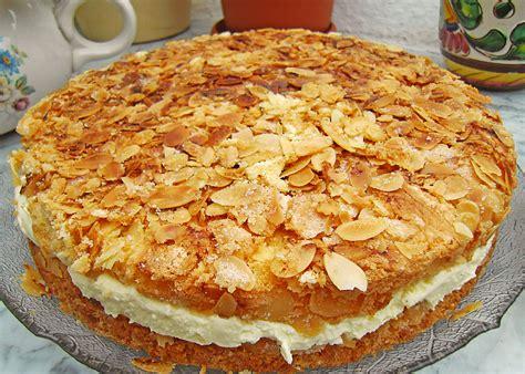 bienenstich kuchen rezept bienenstich galetta kuchen rezepte chefkoch de