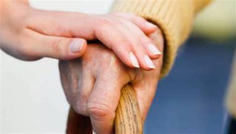 ucraina permesso di soggiorno giovane ucraina sposa ottantenne per permesso di soggiorno