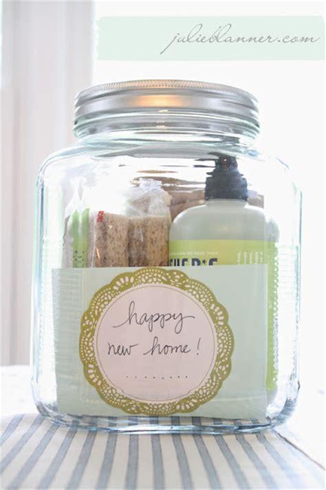 cheap housewarming gifts swanky chic fete housewarming gift ideas