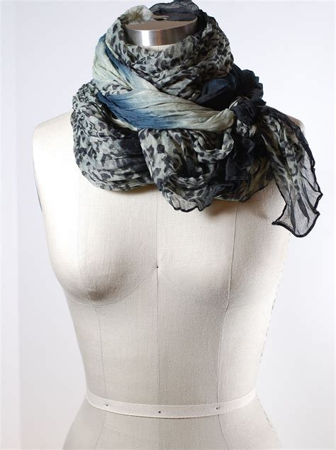 how to tie a scarf wrap neck knot