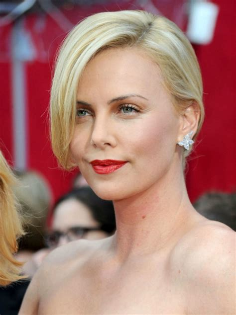 short old fashioned haircuts charlize theron sporting an top 25 best charlize theron hairstyles