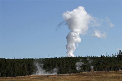 steamboat geyser world s tallest geyser erupts in yellowstone for third