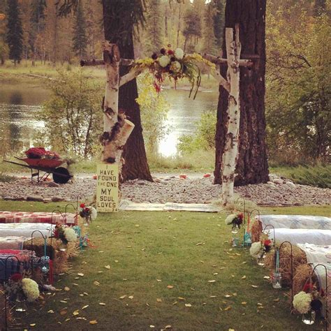 Fall Backyard Wedding Ideas Sunflowers Rustic Fall Country Outdoor Wedding Ideas Arch Decorated With Sunflowers Backyard For