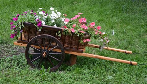 What Makes A Good Bed Frame 27 Wheelbarrow Flower Planter Ideas For Your Yard Home